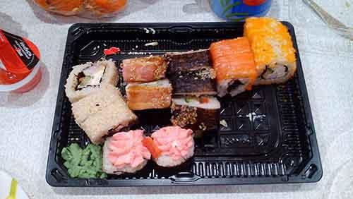 Роллы от Суши-маркета
